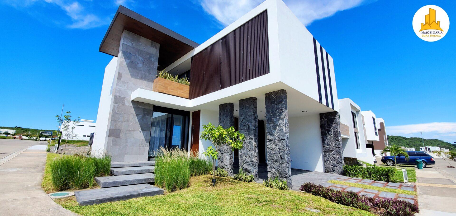 Punta Tiburon 4900
